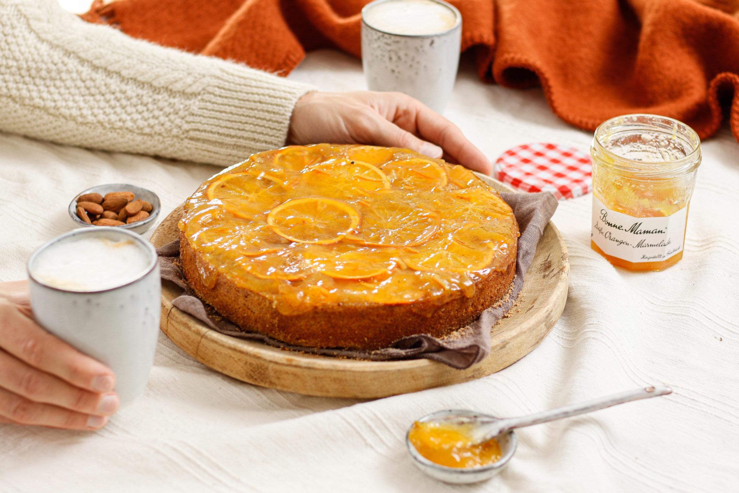Torta s polento in pomarančami